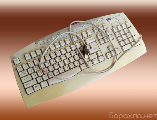 Продам: 2 клавиатуры: компьютерная и мультимедиа