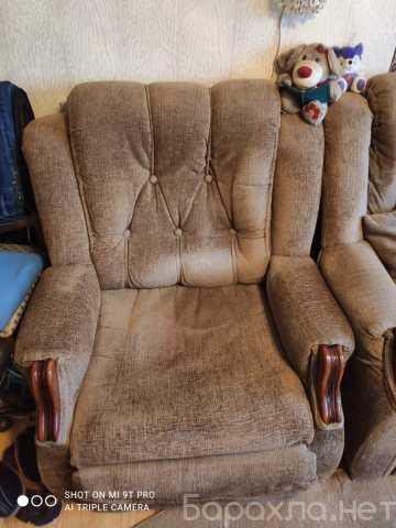Продам: Угловой диван и кресло