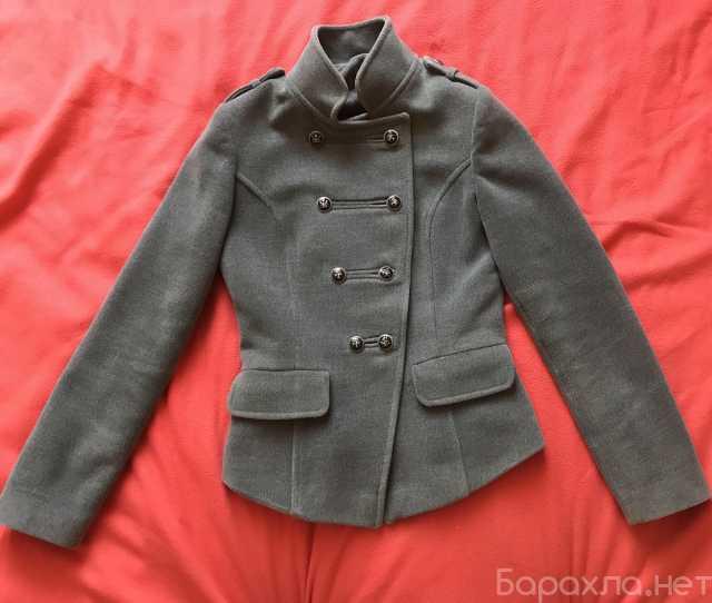 Продам: Серое демисезонное пальто милитари