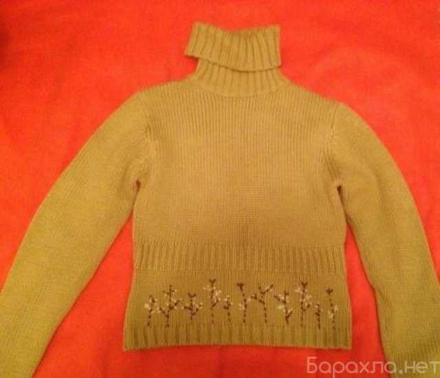 Продам: Бежевый шерстяной свитер с вышивкой S-M