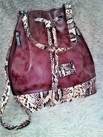 Продам: Guess рюкзак женский новый