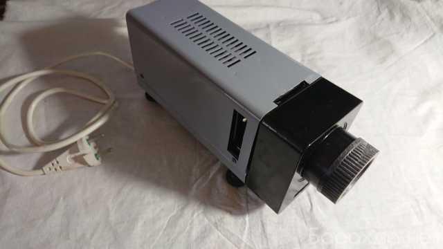 Продам: Диапроектор ф75-1 М С лампой