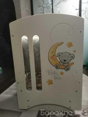 Продам: Детская кроватка с маятником