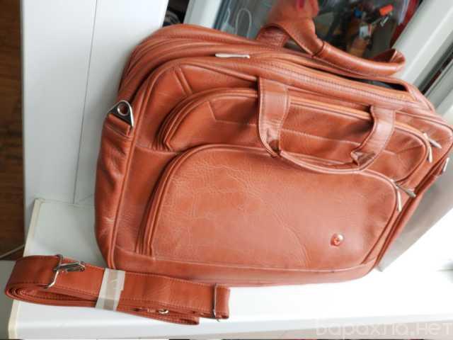 Продам: Новая сумка много отсеков молнии 34x43