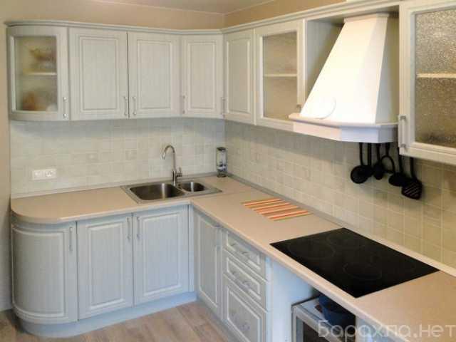 Продам: Угловой Кухонный гарнитур гнутые фасады