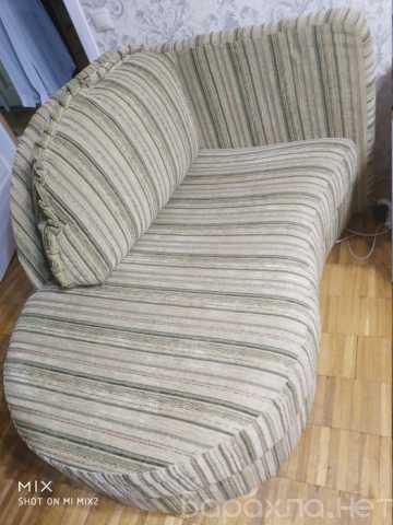Продам: Красивый раздвижной овальный диванчик