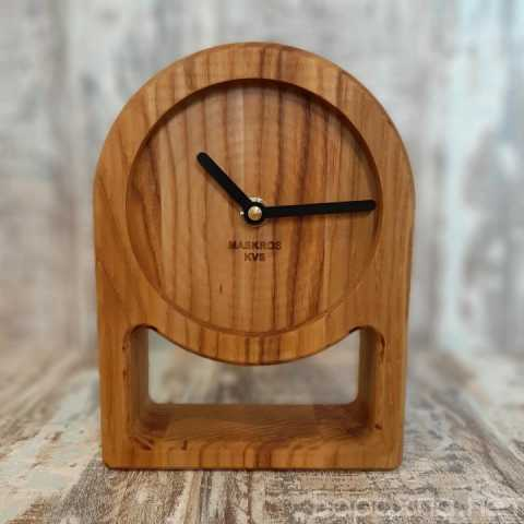 Продам: Часы настольные