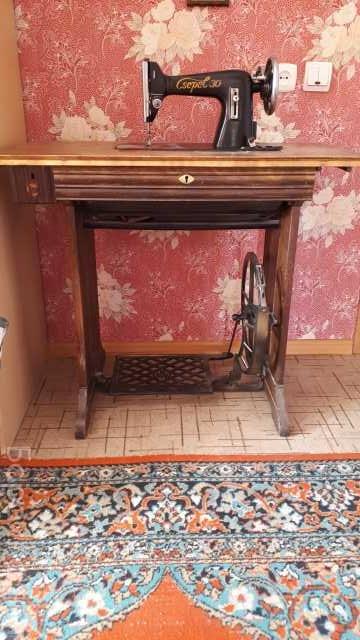 Продам: Антикварная Швейная машинка Csepel 30