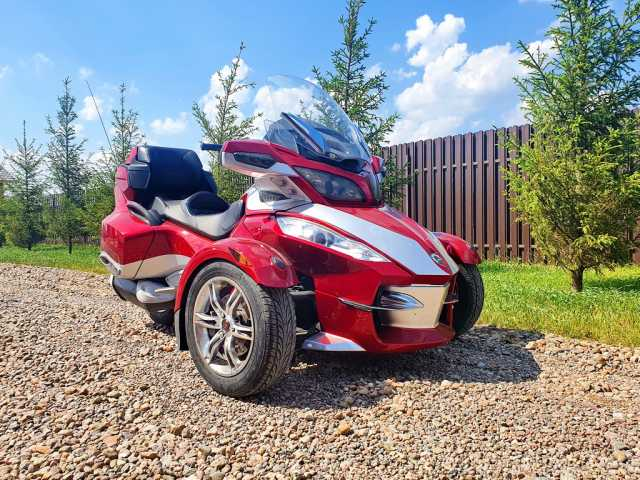 Продам: Трицикл BRP Can-Am Spyder Roadster