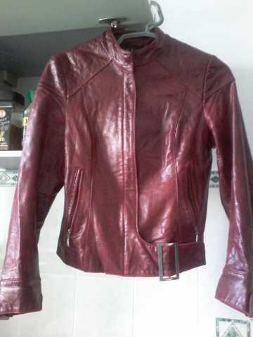 Продам: Куртка кожаная бордовая р.46