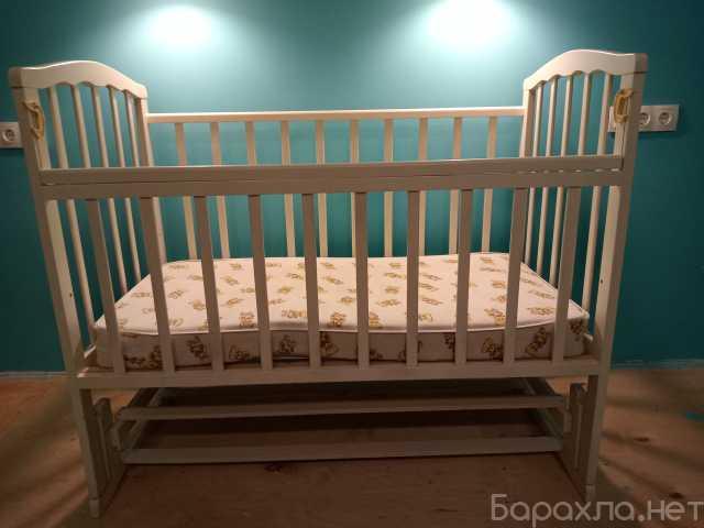 Продам: Кроватка маятник