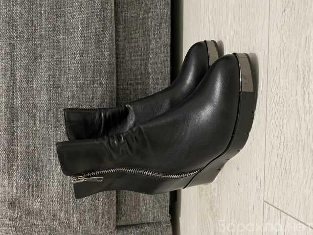 Продам: Ботинки женские 40 размер